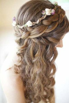Sposa bucolica. #weddinghair #hairstyles #bridalhair #capellisposa