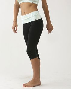 Flower Print Leggings (Short) / moani yoga / yoga bottoms