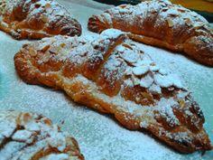 Menjar a Cala Blanca: CROISSANTS FOURRÉS À LA CRÈME D'AMANDES