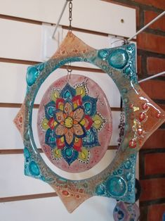 Mandala en vitrofusion Stained Glass Flowers, Fused Glass Art, Red Jewelry, Glass Jewelry, Mosaic Art, Mosaic Glass, Glass Fusion Ideas, Image Glass, Glass Fusing Projects