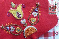 Yllebroderi. Maschma. Swedish wool embroidery by Handwerkjuffie.