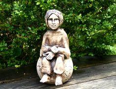 Gartenfiguren - Keramik Elfe, Fee, Gartenfigur, Beetstecker, KCA39 - ein Designerstück von Sandlilien bei DaWanda