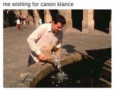 """""""Yo deseando que Klance se haga canon""""Cada voto es una moneda (?) XD"""