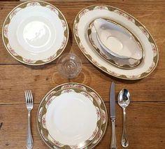 Vajilla de porcelana de limoges L.BERNARDAUD & Co. Ca 1930. Lote de 6 platos llanos, plato grande de presentación, plato ovalado, frutero y salsera. Oferta 100€