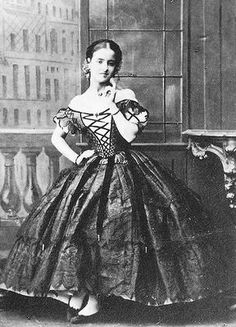 Patti in costume, early 1860s