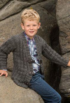 Jakke - Viking of Norway Knitting Patterns Boys, Knitting For Kids, Crochet For Kids, Baby Knitting, Diy Crafts Knitting, Baby Boy Hairstyles, Newborn Boy Clothes, Boys Sweaters, Baby Cardigan