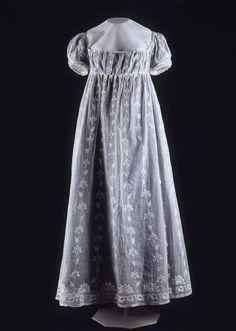 1811-1812 Muslin dress of Empress Josephine, embroidery, chiffon, satin point, and silk (Châteaux de Malmaison et Bois-Préau, Malmaison France) Photo - Mathéus