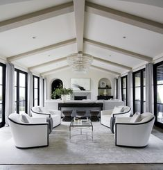 Living Room in Modern Mediterranean, Crystal Cove by Ohara Davies Gaetano Interiors on Room Color Schemes, Room Colors, New Living Room, Living Room Decor, Living Area, Dining Room, Transitional Living Rooms, Furniture Placement, Mediterranean Homes