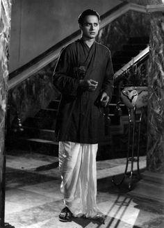 Remembering Hindi & Bengali cinema actor Abhi Bhattacharya on his 24th death anniversary. (11-09)