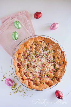 SPRING SOULFOOD: Polnischer Rhabarberkuchen mit Pistazien und weißer Schokolade, OMG! Rezept von KochzereMoni