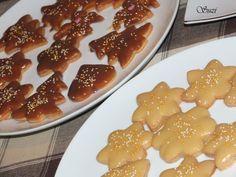 Škoricové pečivo namáčané v čokoláde (Cinnamon cookies with chocolate tops)