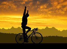 #desenhos #drawing #cycling #ciclismo #caricatura #obicicleteiro #veloaction #drawingcycling #desenhosdebicicleta #animebike #markcavendish #dimensiondata  #worldchamp #peloton #sprintpeloton #win #nohandsbike #tourdefrance #hellforest #tdfpics #tourdefrancepic #tourdefrance #route #roubaix #tdf06 #letour #sunset #sunrise #sunsetbikes #bikessunset #pordosol #bikeride #tribe Mark Cavendish, In Loco, Champs, Cycling, Sunrise, Bike, World, Drawings, Outdoor