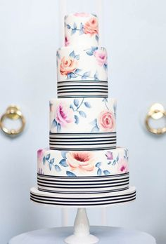 Brides: 37 of the Prettiest Floral Wedding Cakes