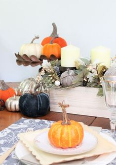 Blue Cottage Fall Home Tour - see how I decorate on a budget! Decorating On A Budget, Porch Decorating, Outdoor Table Settings, Diy Home Accessories, Vintage Farmhouse Decor, Farmhouse Style, Diy Porch, Do It Yourself Home, Cool Diy Projects