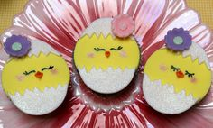 Hatching Chick Cupcakes Celebrate New Life in the Springtime - Foodista.com