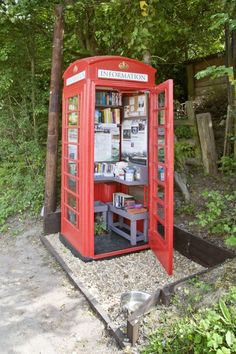 Phone box = Tourist information centre Information Center, Tourist Information, Urban Ideas, Urban Intervention, Post Box, Street Furniture, Shop Window Displays, Cool Things To Make, Tiny House