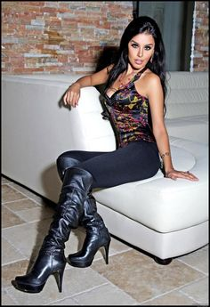 Shemale Emma In Boots 10