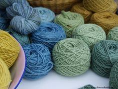 Ihan oikea blogi?: KESÄN KASVI- JA AURINKOVÄRJÄYKSIÄ Yarns, Crafty, Nature, Color, Ideas, Tricot, Colors, Naturaleza, Colour