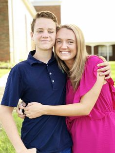Alex and Paige came home for the weekend so they could watch Bryce play football in Pawhuska's homecoming game Friday night. Pioneer Women, Pioneer Woman Recipes, Homecoming Games, Ranch Life, Ree Drummond, Confessions, Food, Fashion, Moda