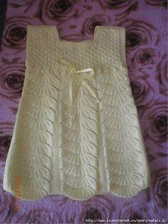 "Piękna sarafan dla dziewczynki z motywem ""Pawi ogon"" (Knitting with knitting needles) - Journal of Inspiration of the Needlewoman Baby Clothes Patterns, Baby Knitting Patterns, Crochet Summer Dresses, Baby Vest, Knitting For Kids, Baby Sweaters, Pulls, Knitted Hats, Knit Crochet"