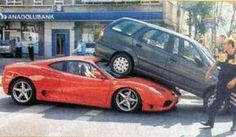 ferrari parcheggio divertente