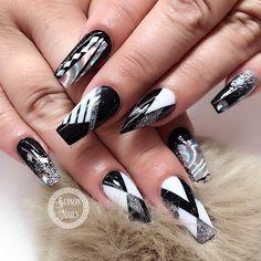 "76 Likes, 3 Comments - Bui808 Nails (@bui808_nails) on Instagram: ""Custom black and white not polish design #nailsmagazine #nailpro #uglyducklingnails #glitternails…"""