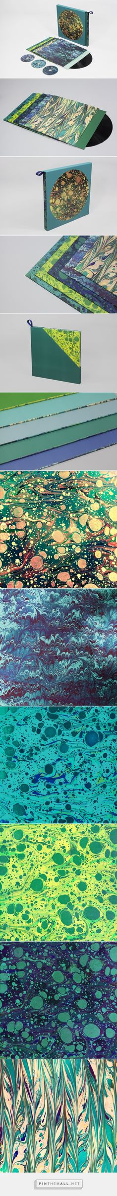 The Horrors - Higher Boxset by Leif Podhajský cuartaed by Packaging Diva PD. Love the colors and patterns on limited edition boxed set of the singles and videos from Skying, featuring covers, reworkings and remixes from Andrew Weatherall, Connan Mockasin, Seahawks and more.