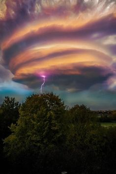 Lightening Storm Swirl, UK