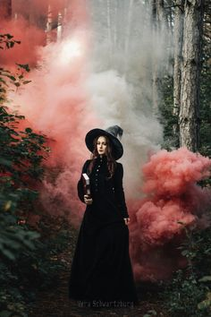 halloween photography Imagine The Magic That Might Be Under The Madness annwn: Vera Schwartzburg Smoke Bomb Photography, Dark Photography, Magical Photography, Photography Journal, Photography Outfits, Indoor Photography, Photography Challenge, Free Photography, Night Photography