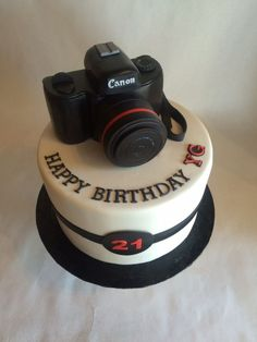Awesome Photo of Camera Birthday Cake . Camera Birthday Cake Custom Cake Birthday Cake Custom Topper Canon Camera Source by jaramullerova . Custom Birthday Cakes, Happy Birthday Cakes, Custom Cakes, Cake Birthday, 36th Birthday, Fondant Cupcakes, Cupcake Cakes, Beautiful Cakes, Amazing Cakes