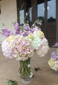 What do you think ?? She did a good job ..Right ?? Gayle sent me this picture last night... Of One of the arrangements she made with the hydrangea we sent to her in San Antonio Texas for her daughter's wedding on Sat.9-27..