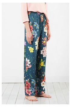 Pantalón de pijama para mujer - Dark Floral | Desigual.com Quinceanera Dresses, Floral, Underwear, Pajamas, Pajama Pants, My Style, Skirts, Outfits, Clothes