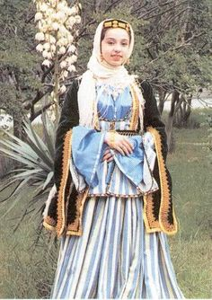 These are the national clothes of Azerbaijan women.According to women clothes were of silk and velvet. Fashion In, Ethnic Fashion, We Are The World, People Of The World, Folk Costume, Gypsy Costume, Historical Clothing, Armenia, World Cultures