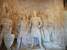 Fotografía: Justo Palma- Héroe Nacional Macedonia, Albania, Tours, Statue, Painting, Art, Sand Beach, Elopements, Art Background