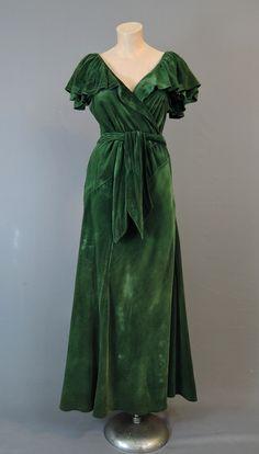 1930s Green Velvet Evening Gown, Bias Cut, Low neckline, 36 bust, some flaws - dandelionvintage