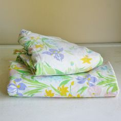 Vintage Floral Flat Sheet and Fittled Sheet Set