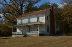 Mayfield GA Hancock County Ghost Town Modified Plantation Plain Architecture Farmhouse 19th Century Photograph Copyright Brian Brown Vanishing North Georgia USA 2014