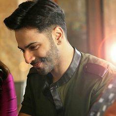 Where are you liar ghar pa hu maa Alia Bhatt Varun Dhawan, You Liar, I Love Him, My Love, Bollywood Couples, Indian Celebrities, Love Of My Life, Movie Stars, Sexy Men