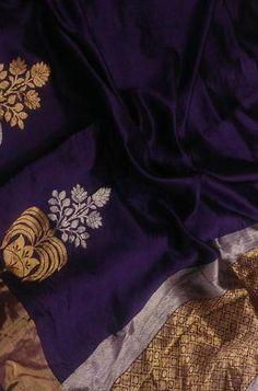 Details From our exclusive collection of Banarasi Craftsmen, this is a Handloom Banarasi Chiniya Silk...