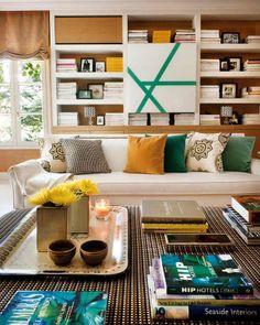 Pitadas de verde na decoração. Veja mais: http://www.casadevalentina.com.br/blog/materia/pitadas-de-verde.html #decor #decoracao #interior #design #color #cor #verde #green #details #detalhes #living #sala #casadevalentina