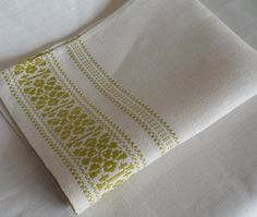 Vintage Danish hand woven small table cloth / ligth green decorated