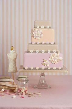 Stylish button cake w/ dress form cake too! Gorgeous Cakes, Pretty Cakes, Fondant Cakes, Cupcake Cakes, Cupcakes, Peggy Porschen Cakes, Button Cake, Pearl Cake, Tall Cakes