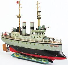 Early Battleship Toys | 533: Hand-Painted Tin Marklin Clockwork Battleship Toy