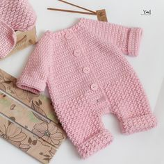 Knitting For Kids, Baby Knitting Patterns, Crochet Baby, Knit Crochet, Crochet Sandals, Knitted Booties, Baby Costumes, Baby Sweaters, Cool Baby Stuff