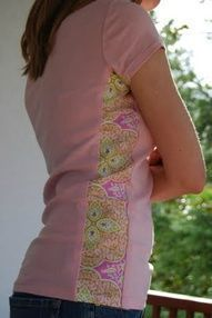 Side Panel Shirt Refashion: A Tutorial - crafterhours - how to make a big shirt smaller or a too-small t-shirt bigger.perfect for making cute maternity shirts. Sewing Hacks, Sewing Tutorials, Sewing Projects, Sewing Patterns, Sewing Ideas, Sewing Tips, Bag Patterns, Crafty Projects, Diy Clothing