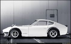1977  Datsun 260Z ...one of my all time favorite cars.