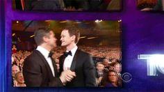 Neil Patrick Harris kisses his husband David Burtka after winning an award. David Burtka, Neil Patrick Harris, Kissing Him, Celebs, Celebrities, Kisses, Gay, Husband, Icons