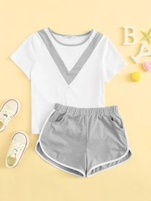To find out about the Girls Cut-and-sew Top & Dolphin Shorts Set at SHEIN, part of our latest Girls Two-piece Outfits ready to shop online today! Cute Comfy Outfits, Cute Summer Outfits, Trendy Outfits, Girls Fashion Clothes, Teen Fashion Outfits, Girl Outfits, Cute Pajama Sets, Cute Pajamas, Girls Cuts