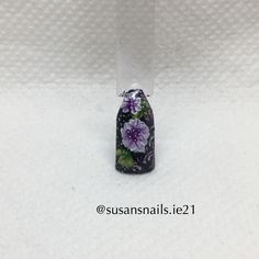 Nail art - light purple flowers