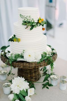 This Couple  Threw a Chic California Wedding on a Tennis Court. | CAKE GOALS